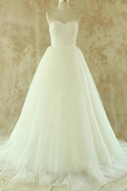 Strapless Sweetheart Ruched Tulle Ball Gown Wedding Dress Featuring Lace-Up Back and Court Train